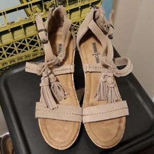 Minnetonka wedge sandals sz.8